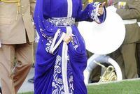 تعد أحد أشهر من يرتدين القفطان المغربي كذلك