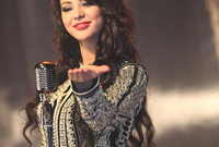 تم اعتبارها أحد أكثر النجمات جمالًا بالقفطان المغربي
