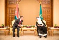 يعد أكبر حاكم عربي حيث بلغ من العمر 91 عامًا كما يعد أحد أكبر حكام العالم