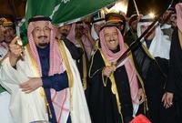 يعد من أكثر الحكام العرب شعبية وحُبًا من قِبل شعبه طبقًا لعدة استفتاءات مختلفة تم إجراؤها في فترات زمنية مختلفة خلال فترة حكمه