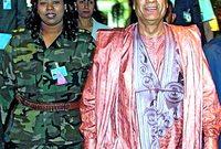 وبعيدًا عن أزيائه الغريبة فقد اشتهر القذافي بأن جميع حرسه من النساء