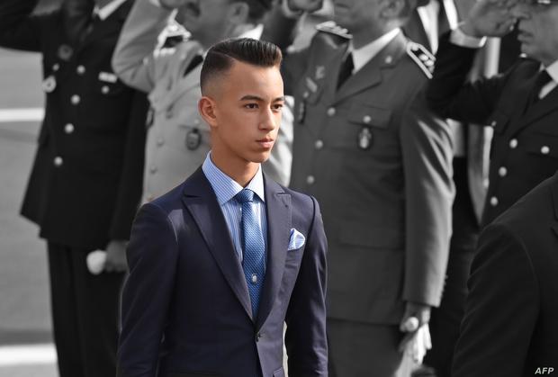 يعد الحسن الثالث بن محمد السادس ولي عهد المملكة المغربية أصغر ولي عهد في العالم حيث يبلغ عمره 17 عام ويتولى هذا المنصب منذ سنوات عديدة