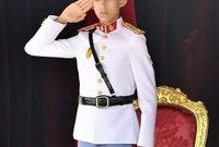 يعد أصغر ولي للعهد في العالم حيث لم يتجاوز عمره 17 عام