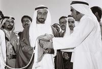"""وفي أول تشكيل وزاري للدولة، تم تعيين """"أحمد خليفة السويدي"""" وزيرا للخارجية، الذي كان مستشارًا للشيخ زايد"""