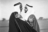 ومن ثم دعوة الحكام مرة أخرى، فوافق جميع حكام الإمارات سوى حاكم رأس الخيمة.