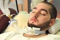 تسبب الحادث في إصابته بموت دماغي أدت لدخوله في غيبوبة تامة لا زال مستمرًا فيها حتى الآن