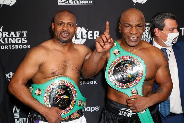 عاد الملاكم العالمي مايك تايسون إلى دائرة الأضواء من جديد بعد خوضه لنزال استعراضي مع الملاكم العالمي روي جونز جونيور