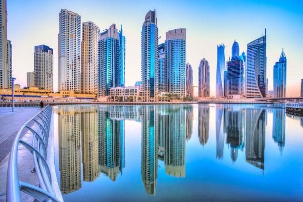 تعد إمارة دبي في الإمارات أحد أشهر مدن العالم والشرق الأوسط وتوصف بكونها الإمارة الذهبية
