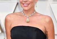 وارتدت ليدي جاجا ماسة أسطورية  يصل وزنها إلى 128.54 وتصل قيمتها إلى 30 مليون دولار في حفل الأوسكار الذيحازت خلاله على جائزة أفضل أغنية
