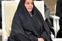 تزوج الملك حمد من 4 سيدات، زوجته الأولى الأميرة سبيكة بنت إبراهيم آل خليفة، وبينهما صلة قرابة، فهو ابن خالها. وهي السيدة الأولى ورئيسة المجلس الأعلى للمرأة، تزوجت في 9 أكتوبر 1968، وأنجب منها 3 أبناء وابنة واحدة