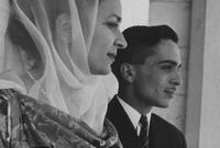 كانت الزيجة الأولى من واحدة من أقربائه وهي الشريفة دينا بنت عبد الحميد
