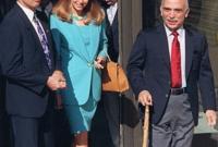 حضر الجنازة عدد كبير من قادة الدول العربية والغربية ورؤساء سابقون عديدون