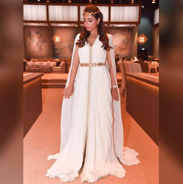مهيرة عبد العزيز مواليد 6 نوفمبر 1982، إعلامية إماراتية الجنسية لأب إماراتي وأم مصرية