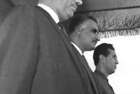 وفي الـ 13 من ابريل عام 1966 لقي عارف حتفه في حادث سقوط غامض لطائرته المروحية وقد كان يبلغ من العمر حينها 45 عامًا ولم يتم فك غموض الحادث إلى الآن