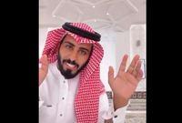 بعدها انتقل عبد الرحمن إلى أمريكا للعيش هناك، وكان يقوم بتقديم يومياته في الاغتراب