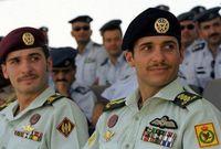 والتحق  بأكاديمية ساندهيرست العسكرية الملكيّة في المملكة المتحدة وتخرج فيها عام 2000 برتبة ملازم ثان