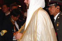 عقد قرانه عام 2006 على  «فهدة أبو نيان» ابنة رجل أعمال سعودي وأنجبا ٥ أبناء
