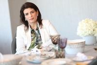 في المركز الـ20 تأتي الإماراتيان أمينة وهدى الرستماني، وتشغلان منصب الرئيس التنفيذي والمدير الإداري لـ «مجموعة عبدالواحد الرستماني»، وتضم الشركة اليوم 14 شركة تابعة بقوى عاملة تزيد عن 4 آلاف موظف
