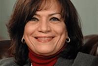 في المركز الـ17 تأتي المصرية منى ذو الفقار، والتي تشغل منصب الشريك المؤسس ورئيسة اللجنة التنفيذي لشركة «ذو الفقار وشركاه» والتي عملت في مجال المحاماة لأكثر من 35 عامًا