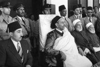 وفي عام 1959 تم اكتشاف البترول في ليبيا ليبدأ عهد اقتصادي جديد في المملكة الليبية وينعم الليبيون في غضون سنوات قليلة بفضل عائدات البترول