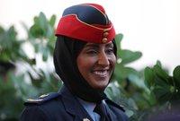 انضمت للقوات المسلحة الإماراتية والتحقت بكلية الطيران بعد فتح المجال للنساء للالتحاق بسلاح الطيران الحربي وتحمل رتبة رائد طيار في القوات الجوية الإماراتية