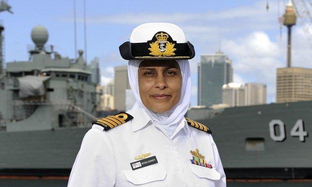 منى شندي.. أول مسلمة تشغل منصب رائد في سلاح البحرية الملكية الأسترالية المرة الأولى في تاريخ البحرية الأسترالية