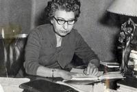 سَهير القلماوى.. أول امرأة مصرية تحصل على درجة الماجستير ثم الدكتوراه فى الآداب