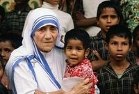 عرفت بنشاطها المكثف في مجال العمل الخيري، وتُعَد واحدة من أعظم الشخصيات الإنسانية في القرن العشرين