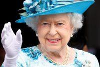 تميزت فترة حكم الملكة إليزابيث الطويلة والتي عمها السلام بالدرجة الأولى بتغيراتٍ كبيرة في حياة مواطنيها