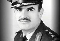 التحق بالأكاديمية العسكرية عام 1952 ثم التحق بالكلية الجوية ليتخرج منها برتبة ملازم طيار عام 1955