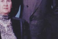 الابن الأكبر هو باسل الأسد المولود عام 1962 وكان مهندسًا مدنيًا ومظليًا وفارسًا رياضيًا واشتهر بذكاءه وحنكته السياسية وكان يعتمد عليه والده بشكل كبير وكان يعده ليكون خليفته من بعده