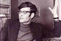 بعد الثانوية انضم للحزب الشيوعي الإسرائيلي وعمل محررًا ومترجمًا في صحيفة الاتحاد ومجلة الجديد التابعتين للحزب نفسه