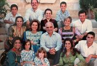 صورة تجمع الملك الحسين بأبنائه