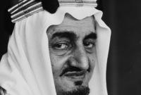 أطلق الأمير فيصل بن مساعد الرصاص على عمه الملك فيصل وهو يستقبل وزير النفط الكويتي عبدالمطلب الكاظمي في مكتبه بالديوان الملكي