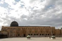 كما أنه ثالث المساجد من حيث القداسة في الإسلام بعد المسجد الحرام والمسجد النبوي وهو يقع في البلدة القديمة بالقدس في فلسطين