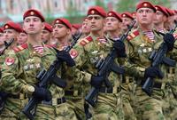 أما في المركز الثاني يأتي الجيش الروسي بقوة تتخطى المليون جندي ولكن يمتلك الجيش الروسي قوة هائلة احتياطيا تصل لـ 2 مليون جندي