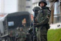 ومن القوة العددية فتمتلك البرازيل ما يزيد عن 334 ألف مقاتل بينما يبقى مليون و340 ألف جندي على قوة الاحتياط