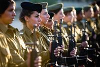 بينما تقبع إسرائيل في المركز الـ 20 بقوة عددية تصل لـ 170 ألف بينما تصل قوتها الاحتياطية لـ 465 ألف