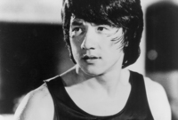 """اسمه الحقيقي هو تشان هونج سانج وأطلق عليه أصدقاءه الأستراليون اسم """"جاكي"""" حين كان يعيش في أستراليا مع والده الذي كان يعمل هناك"""