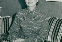 توفيت في 9 فبراير عام 1977بعد سقوط المروحية التي تقلها أثناء رحلتها لجنوب الأردن