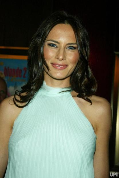 ميلانيا ترامب واسمها قبل الزواج هو ميلانيا كنوس، من مواليد 26 أبريل 1970، ولدت في سلوفينيا التي كانت جزءً من يوغوسلافيا في ذلك الوقت
