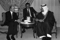 الملك فهد  مع رئيس ألمانيا الغربية كارل كارستنز سنة 1982