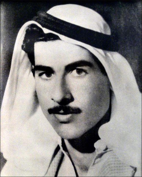 عاش صدام طفولة صعبة حيث نشأ يتيمًا وتوفي شقيقه الأكبر بعمر الثالثة عشر وكان شديد الفقر ليتكفل به خاله الذي قام بمكافأته بعد وصوله للحكم بجعله محافظًا لبغداد