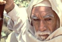 شارك طوال مسيرته السينمائية ببطولة الكثير من الأفلام من أشهرها فيلم الرسالة وفيلم أسد الصحراء وفيلم لورنس العرب
