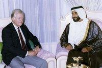الشيخ زايد  خلال لقائه مع الرئيس الأميركي الأسبق جيمي كارتر
