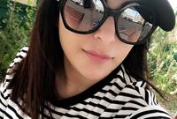 وردًا على نشرها العديد من تفاصيل حياتها عبر حساباتها في مواقع التواصل الاجتماعي، قالت إن السبب في ذلك يعود لإحساسها بالفراغ لقضائها ساعات طويلة وحدها بالمنزل