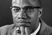تم اغتيال والده عندما كان عمر مالكوم 6 سنوات فقط على يد مجموعة من العنصريين بسبب دعوته لتقوية مجتمع السود