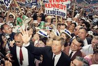 عام 1960 رشح نفسه في الانتخابات الرئاسية الأمريكية وفاز على نظيره الجمهوري ريتشارد نيكسون وكان عمره وقتها 43 عاما