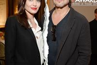 في عام 2006 تسببت في ضجة فنية بارتباطها بالممثل براد بيت بعد انفصالها عن الممثلة جينيفر أنيستون