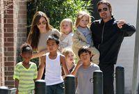 صورة لبراد بيت وأنجلينا جولي مع أطفالهم قبل الانفصال